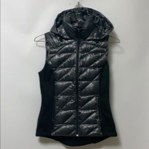 BCBGENERATION PUFFER VEST HOODED JACKET SIZE XS